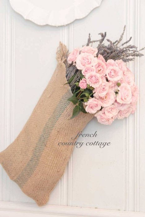 French Country Decor Ideas - Easy DIY Burlap Sack Bouquet Display - Cabritonyc.com