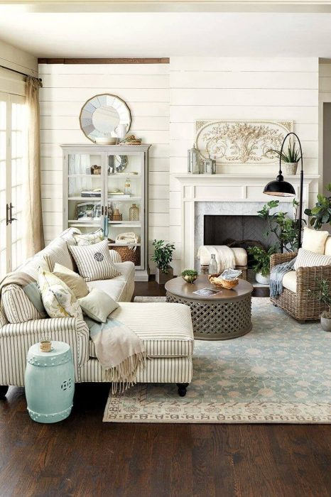 French Country Decor Ideas - Inviting Livingroom with Striped Linen Couch - Cabritonyc.com