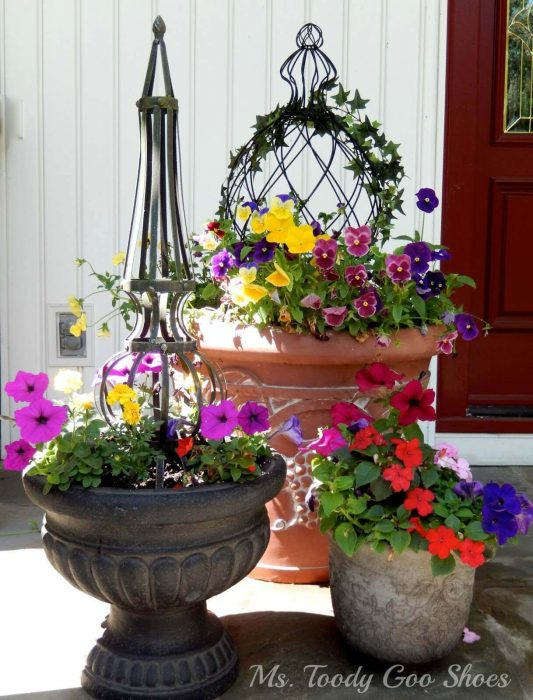 Front Door Flower Pots Ideas - Eclectic Summer Flower Pot Trio - Cabritonyc.com