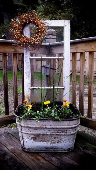 Front Door Flower Pots Ideas - Upcycled Wash Tub and Window Planter Display - Cabritonyc.com