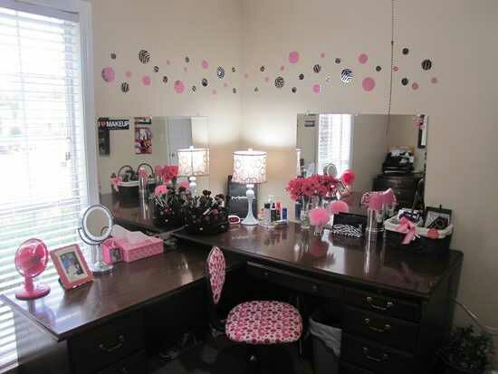 DIY Makeup Room Ideas Vanity Table - Cabritonyc.com