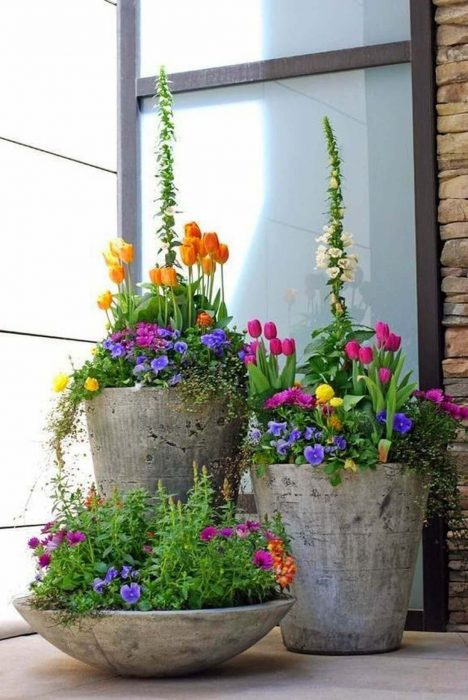 23.-Concrete-Spring-Flower-Pot-Display