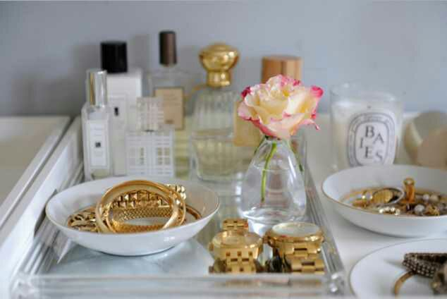 Makeup Room Ideas - Small Bowls and Old Dinnerware - Cabritonyc.com