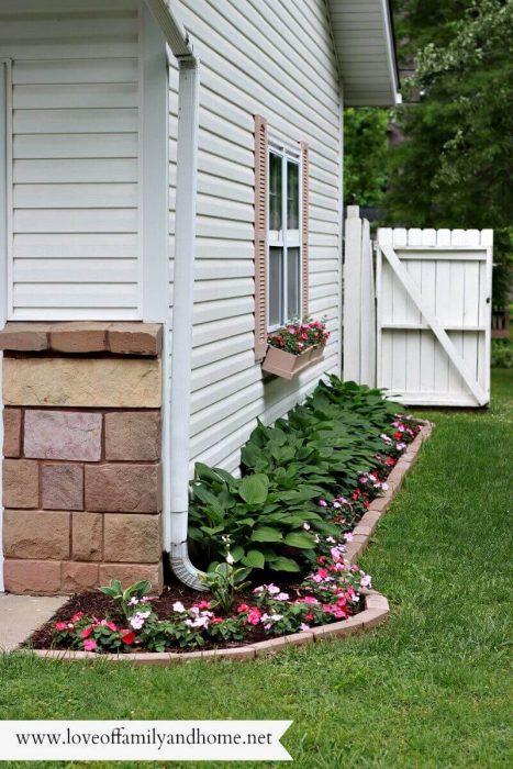Backyard Landscaping Ideas - Mini-Makeover - Cabritonyc.com