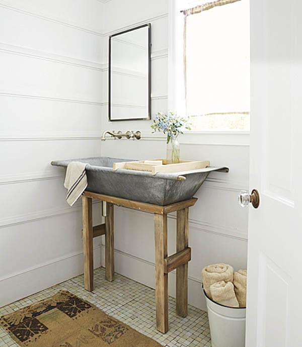 Farmhouse Bathroom Decor Ideas - DIY Galvanized Metal Tub Farmhouse Sink - Cabritonyc.com