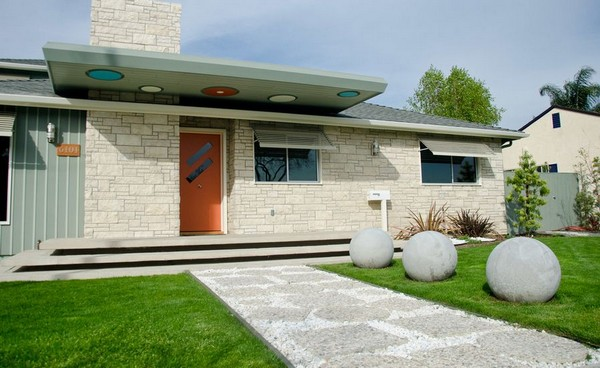 Tiny Front Yard Landscaping Style Ideas