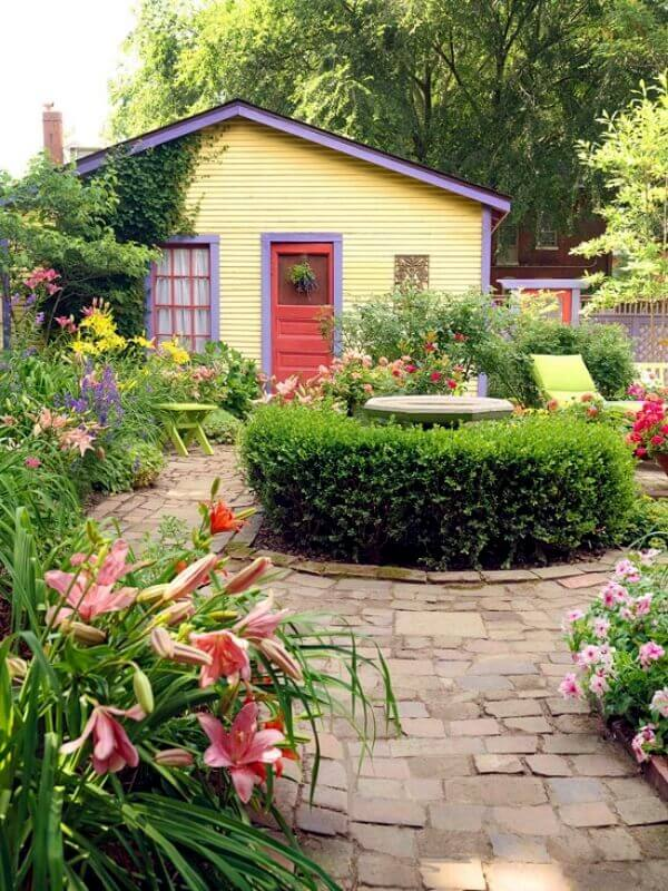 Backyard Landscaping Ideas - Country Garden for a Country Cottage - Cabritonyc.com
