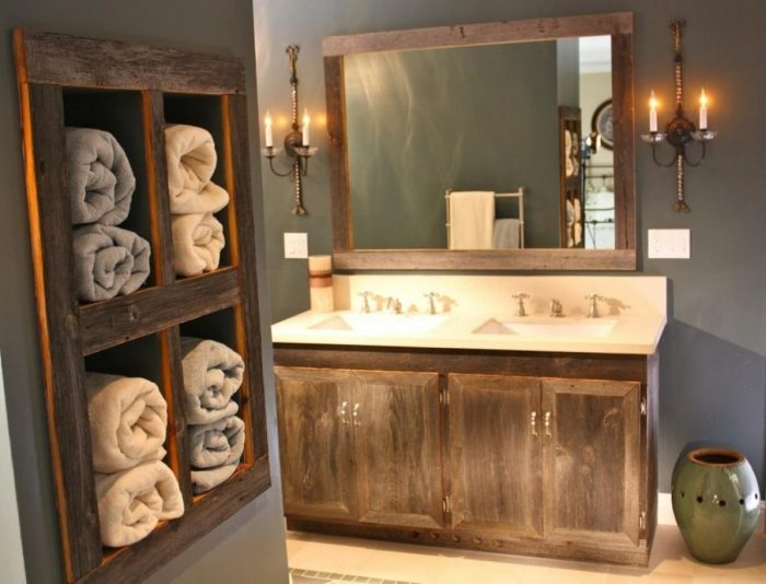 Farmhouse Bathroom Decor Ideas - Antique Wood Vanity and Towel Organizer - Cabritonyc.com